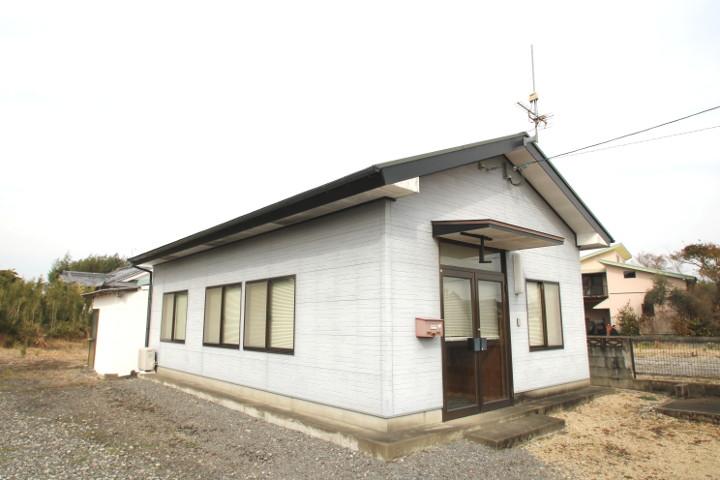 約14坪の平屋の事務所(平成12年新築)。