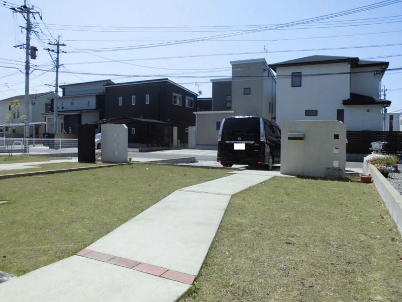 大島町/中古住宅/7.5kwの太陽光発電付き築浅住宅/アプローチ