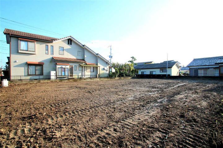 日章学園中学校・高等学校まで徒歩3分。国道219号線そばにある広原の新築用地です。