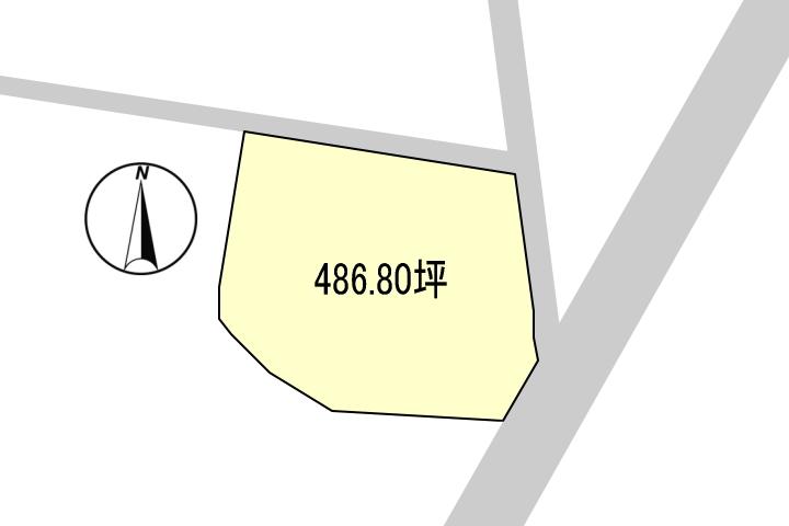 敷地の3辺が道路に接道しています。
