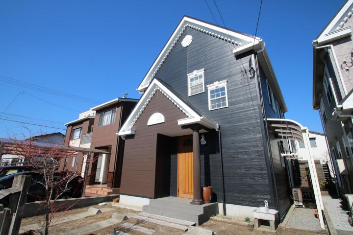 桜町にある南道路のオール電化住宅です。