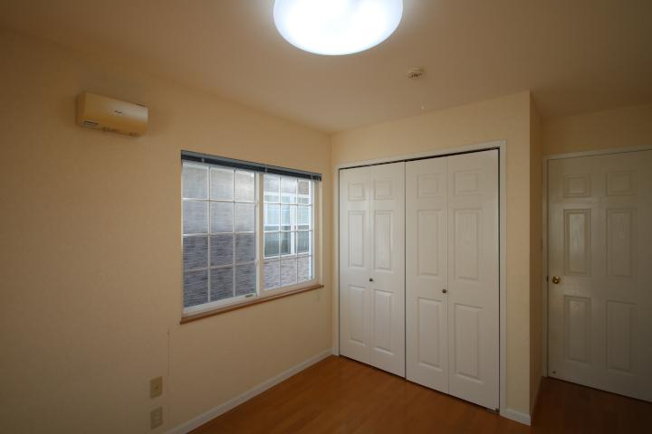 各居室にはクローゼット収納も付いています。