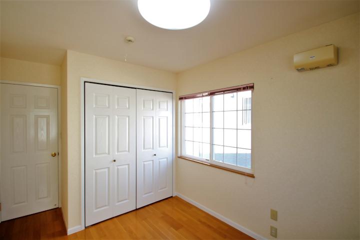 全部屋が角部屋になっており、二面から採光を取り入れることができます。