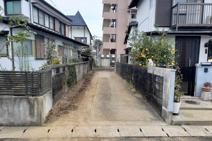 上下水道が引き込まれているので、道路から宅内に引き込む公道工事が不要です。