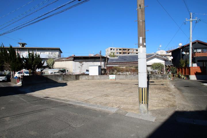 吉村町のフェニックスガーデン近くにある新築用地です。