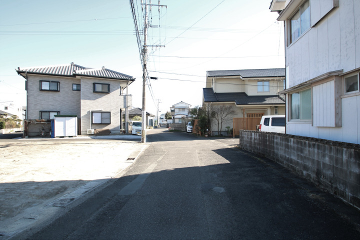 前面道路も広く、閑静な住宅地です。