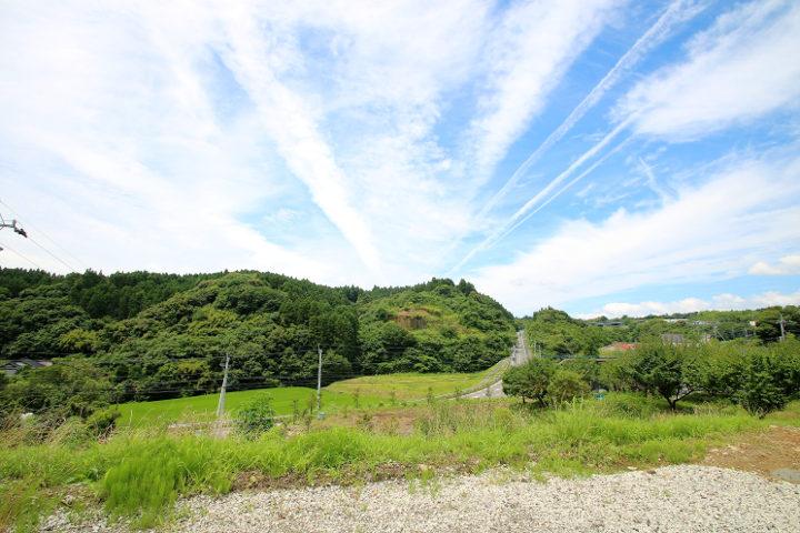 目の前には田園風景が広がっています。