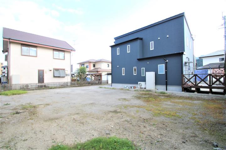 宮崎学園都市の住宅地『学園木花台』に隣接した土地区画整理事業による造成地です。