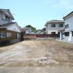 大塚町の権現前にある南道路の新築用地です。