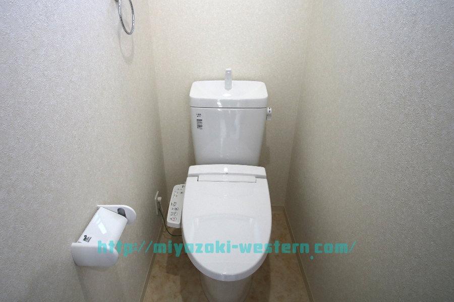 【完成イメージ】温水洗浄便座付きのトイレです。